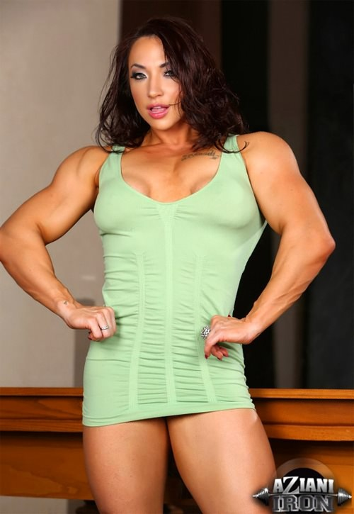 Brandi Mae Posing Sexy - Female Bodybuilding Women